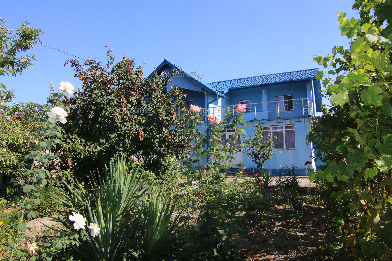 Casa individuala Domnesti - Teghes, teren 1100 mp, 4 camere, garaj +beci/pivnita
