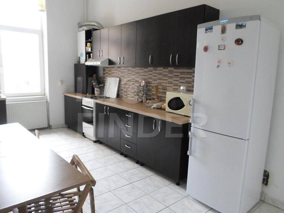 Vanzare apartament 2 camere decomandate zona Centrala