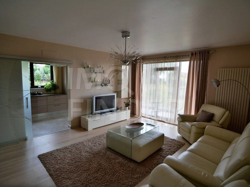 Vanzare apartament 3 camere Zorilor, 90 mp, 2 locuri parcare