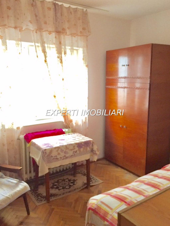 Vanzare Apartament 5 camere - FALEZA NORD, Constanta