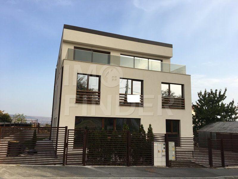 Vanzare duplex, zona de case a cartierului Zorilor