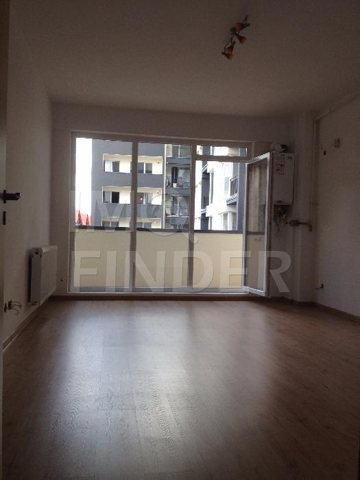 Vanzare apartament 2 camere, Central imobil nou cu CF si Parcare