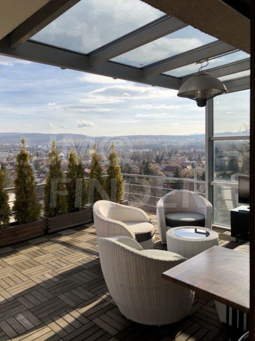 Vanzare apartament 3 camere, lux, predare la cheie, zona Hotel Napoca