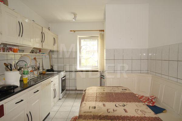 Vanzare apartament 3 camere, decomandat, zona Gh. Dima, Zorilor