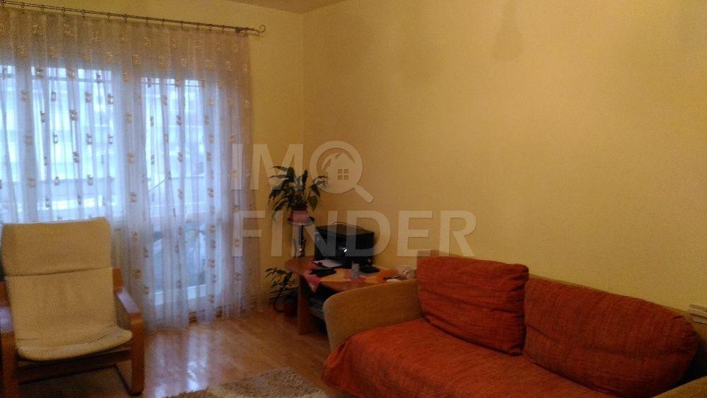 Vanzare apartament 3 camere, decomndat, etaj 2 din 4, Zorilor