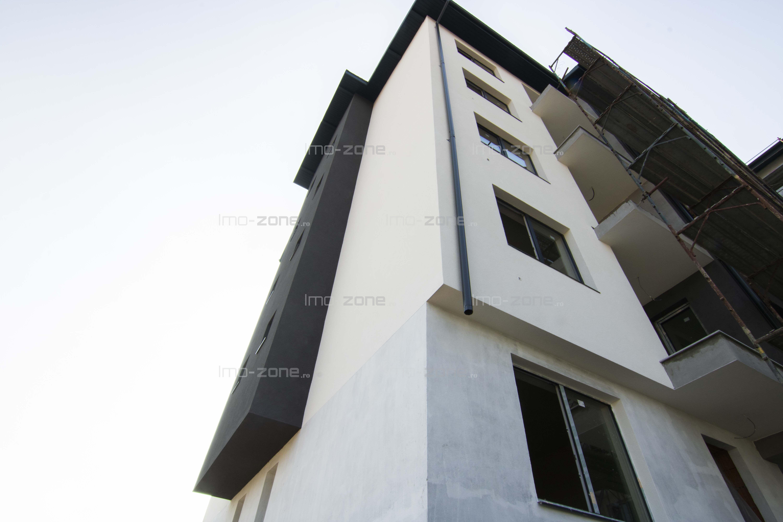 2 CAMERE, DECOMANDAT, etaj 3/4 cu lift, 1 balcon, BUCATARIE INCHISA