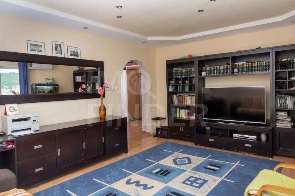 Vanzare apartament 3 camere, decomandat, Plopilor