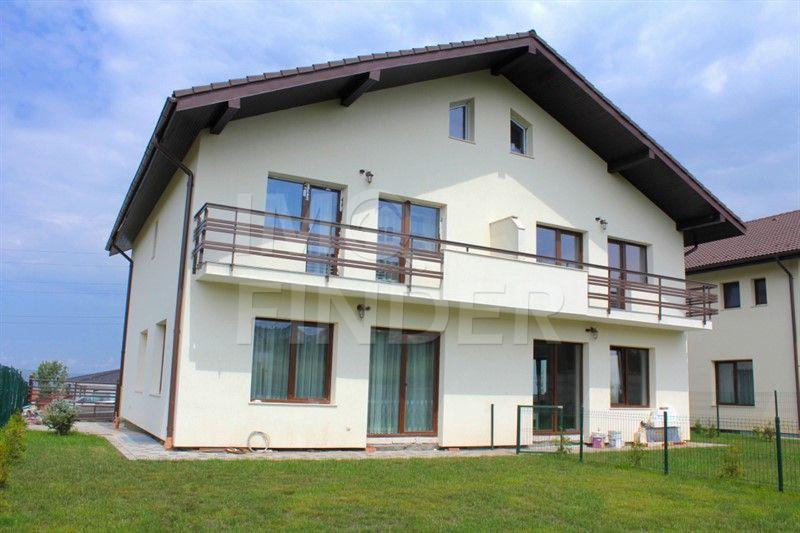 Inchiriere casa tip duplex in zona Europa