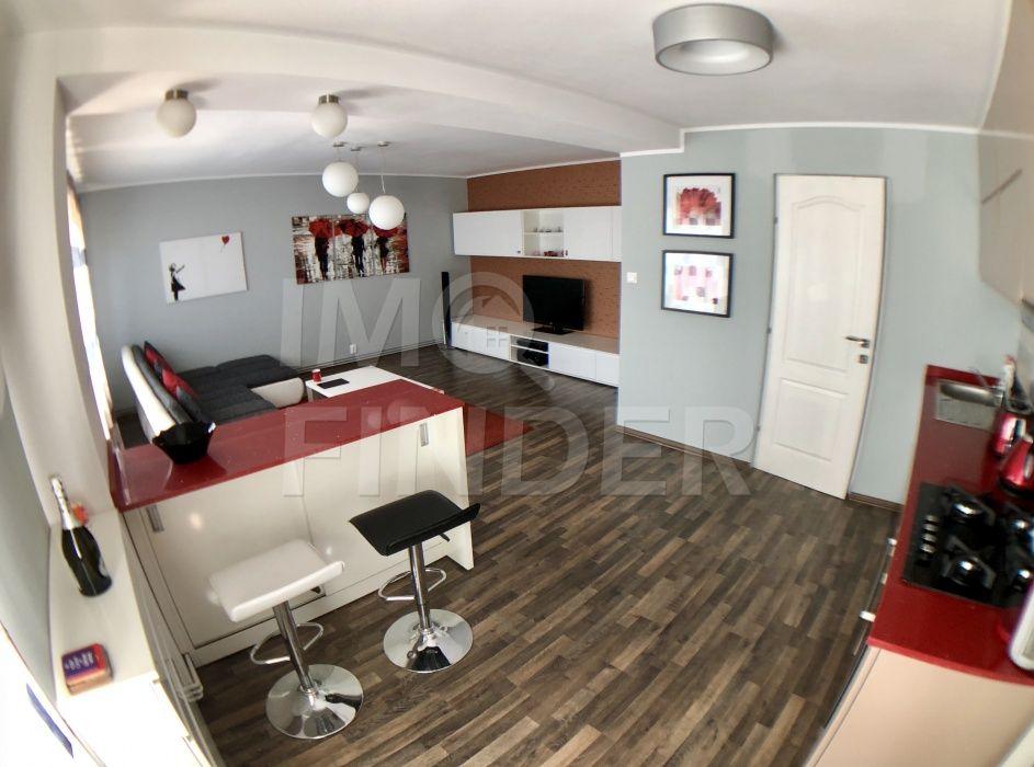 Vanzare apartament 4 camere, finisat modern,  zona Semicentrala