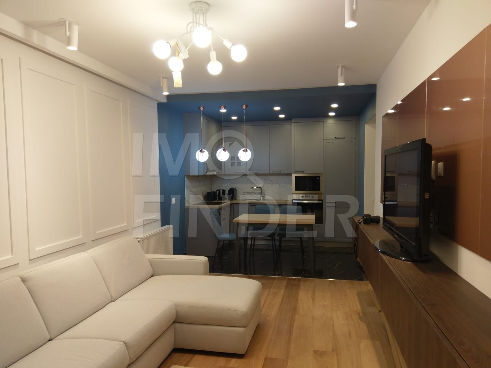 Inchiriere apartament 3 camere Piata Mihai Viteazul, Centru