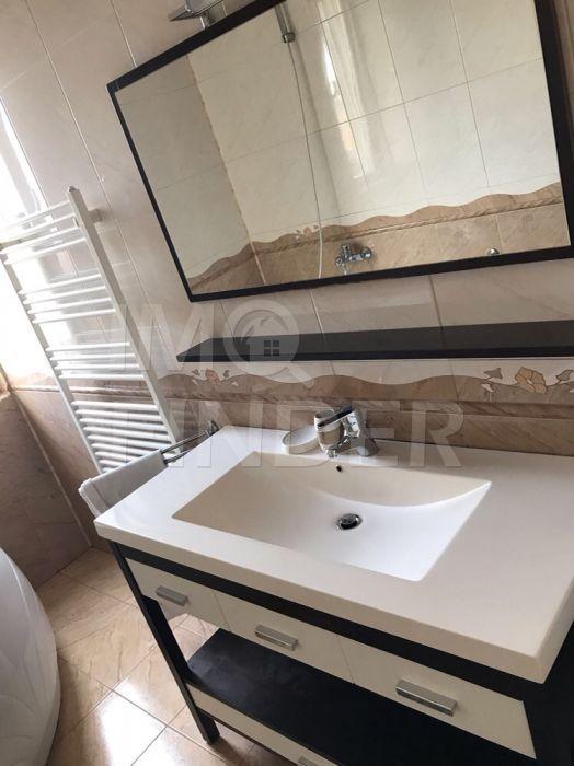Inchiriere apartament exclusivist, 4 camere in vila, Andrei Muresanu