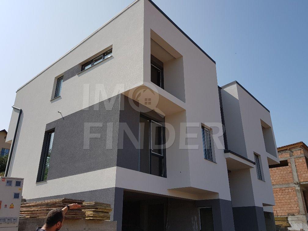 Vanzare duplex/casa cuplaza zona Vivo