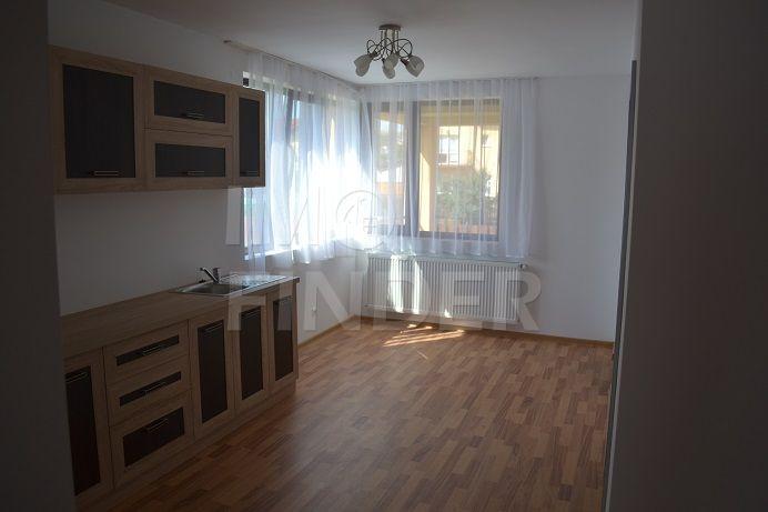 Casă / Vilă cu 5 camere de închiriat în zona Someseni