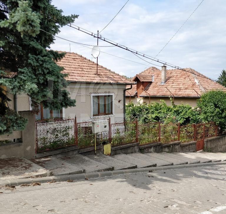 Vanzare casa zona Andrei Muresanu, 500 mp teren