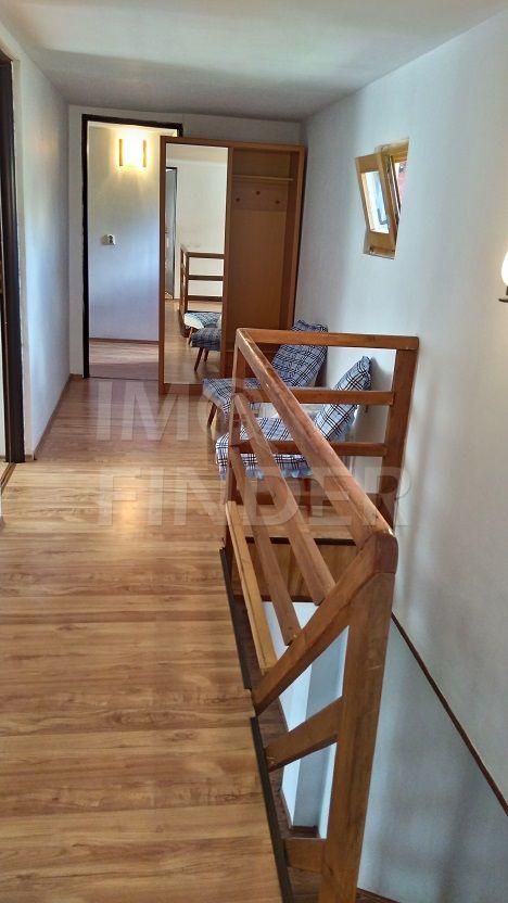 Casă / Vilă cu 4 camere de închiriat în zona Zorilor