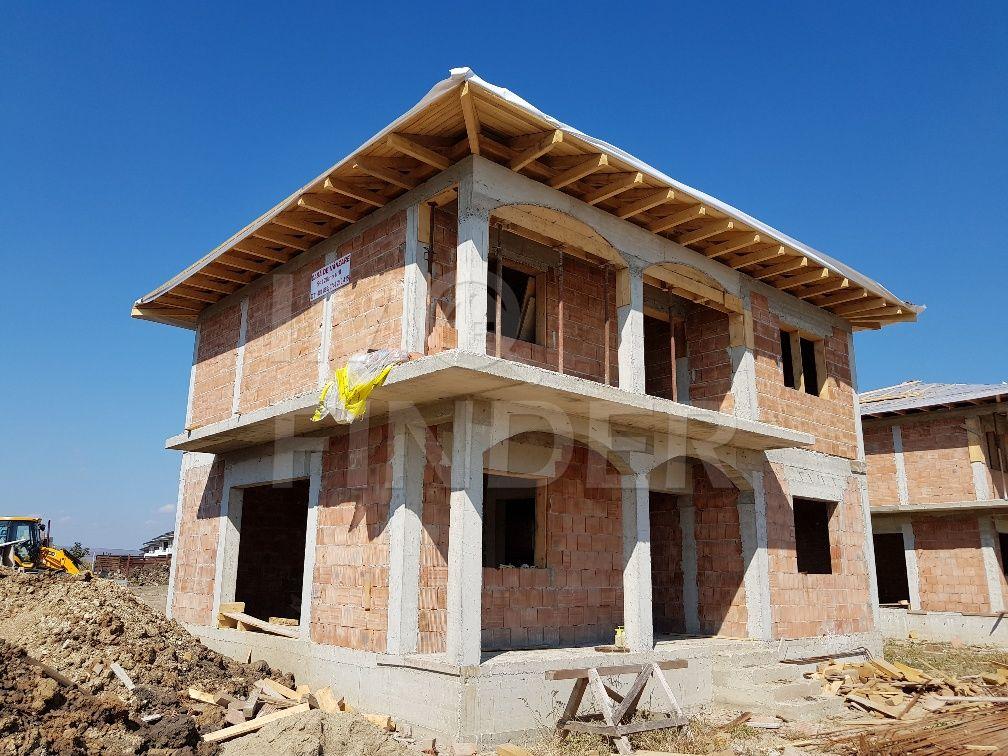 Vanzare casa individuala Dezmir, locatie foarte buna, 415 mp teren