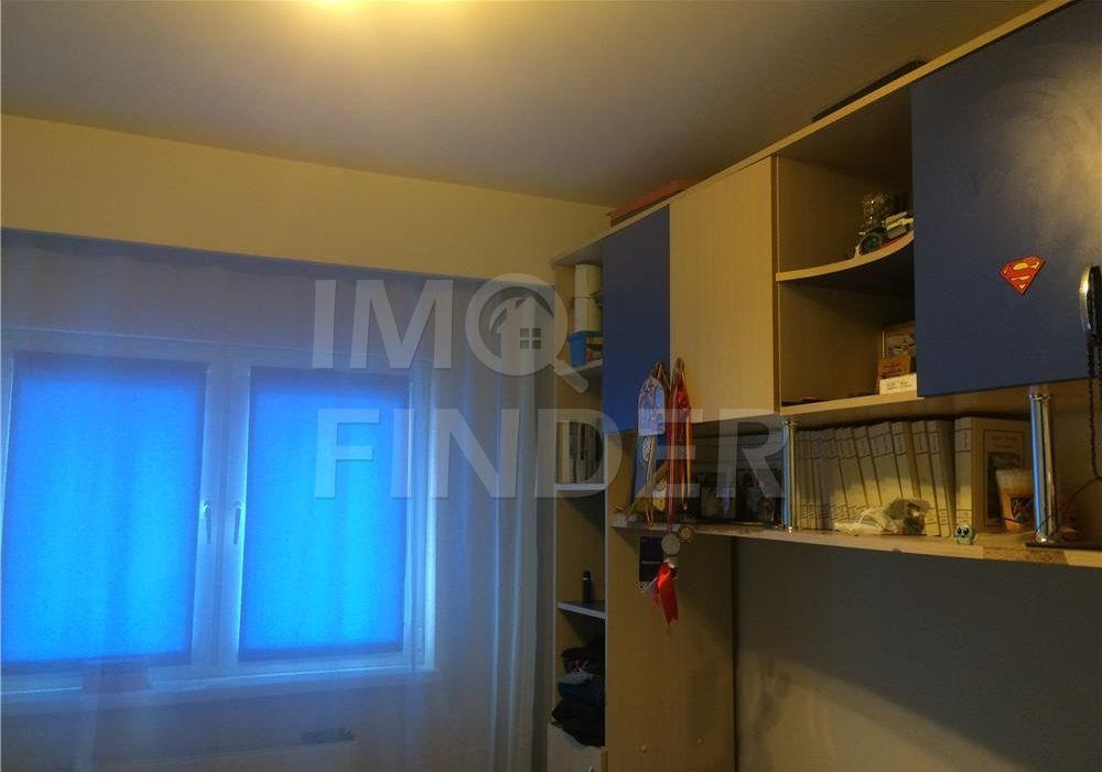 Vanzare apartament cu 3 camere, decomandat, zona Marasti