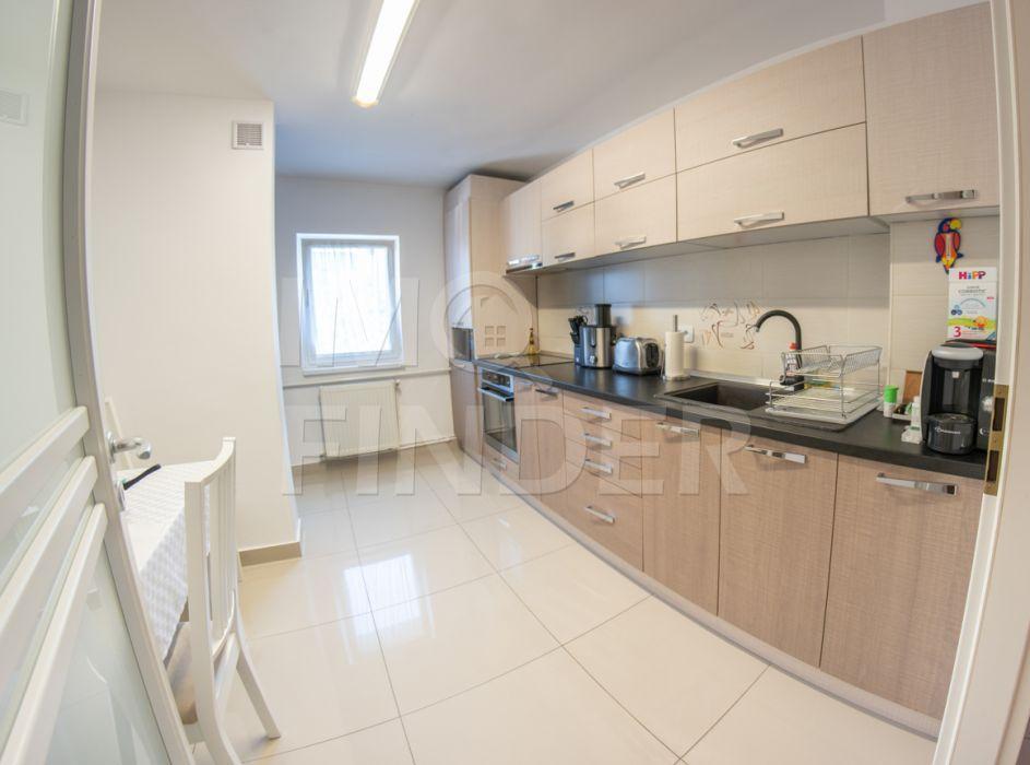 Vanzare apartament 4 camere decomandate zona Zorilor
