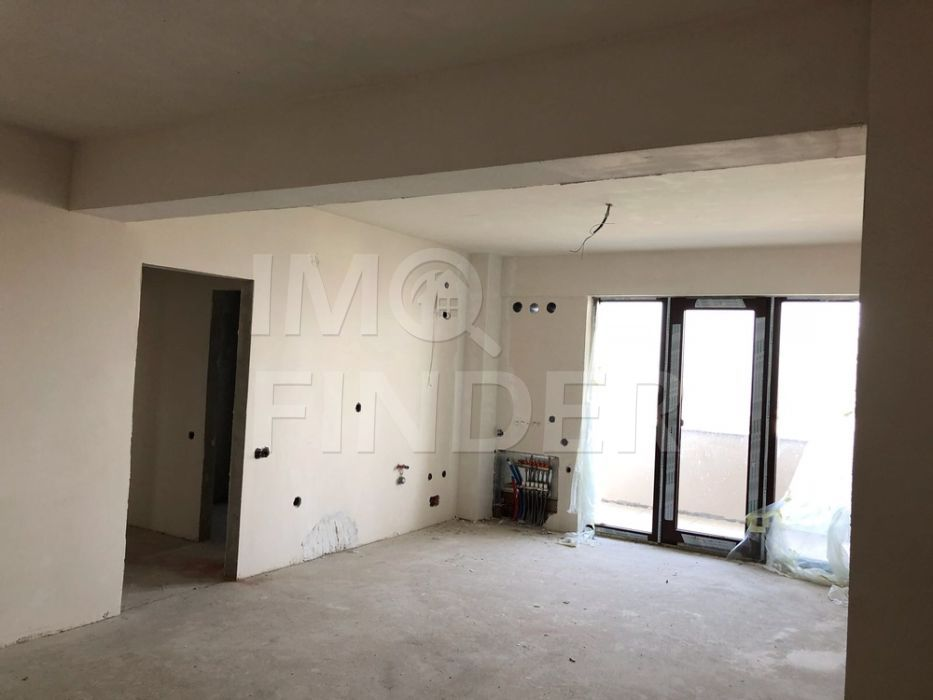 Vanzare apartament 2 camere, garaj, Europa