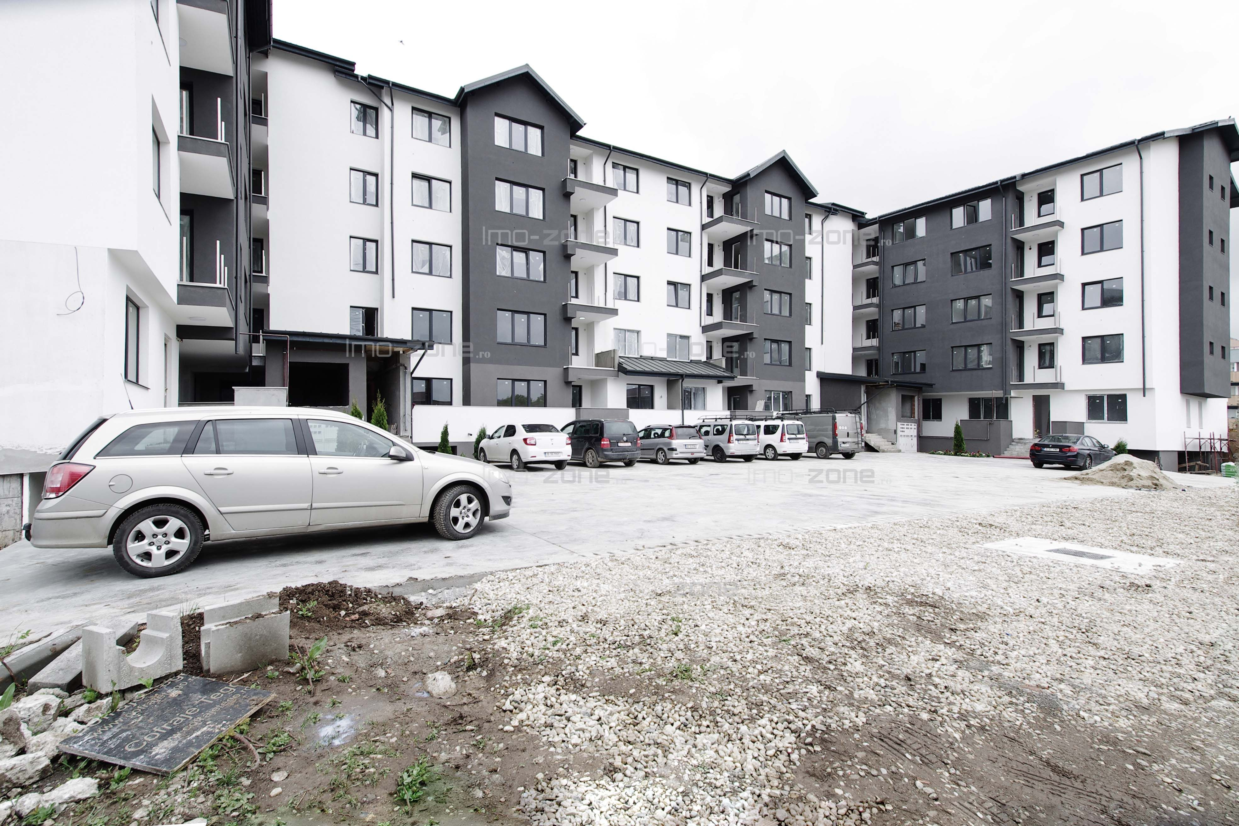 Drumul Taberei 3 camere, dec, 90 mp + terasa 125mp, etaj 4/4+pod, lift