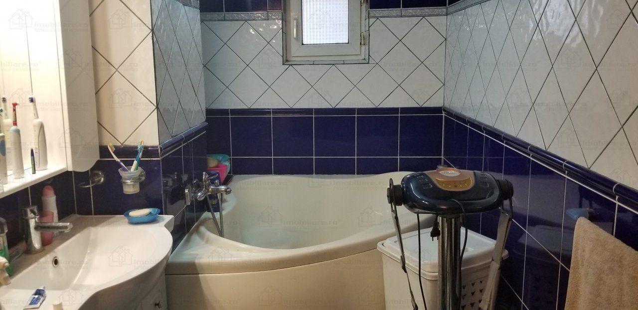 Vanzare Apartament 4 camere - CAPITOL, Constanta