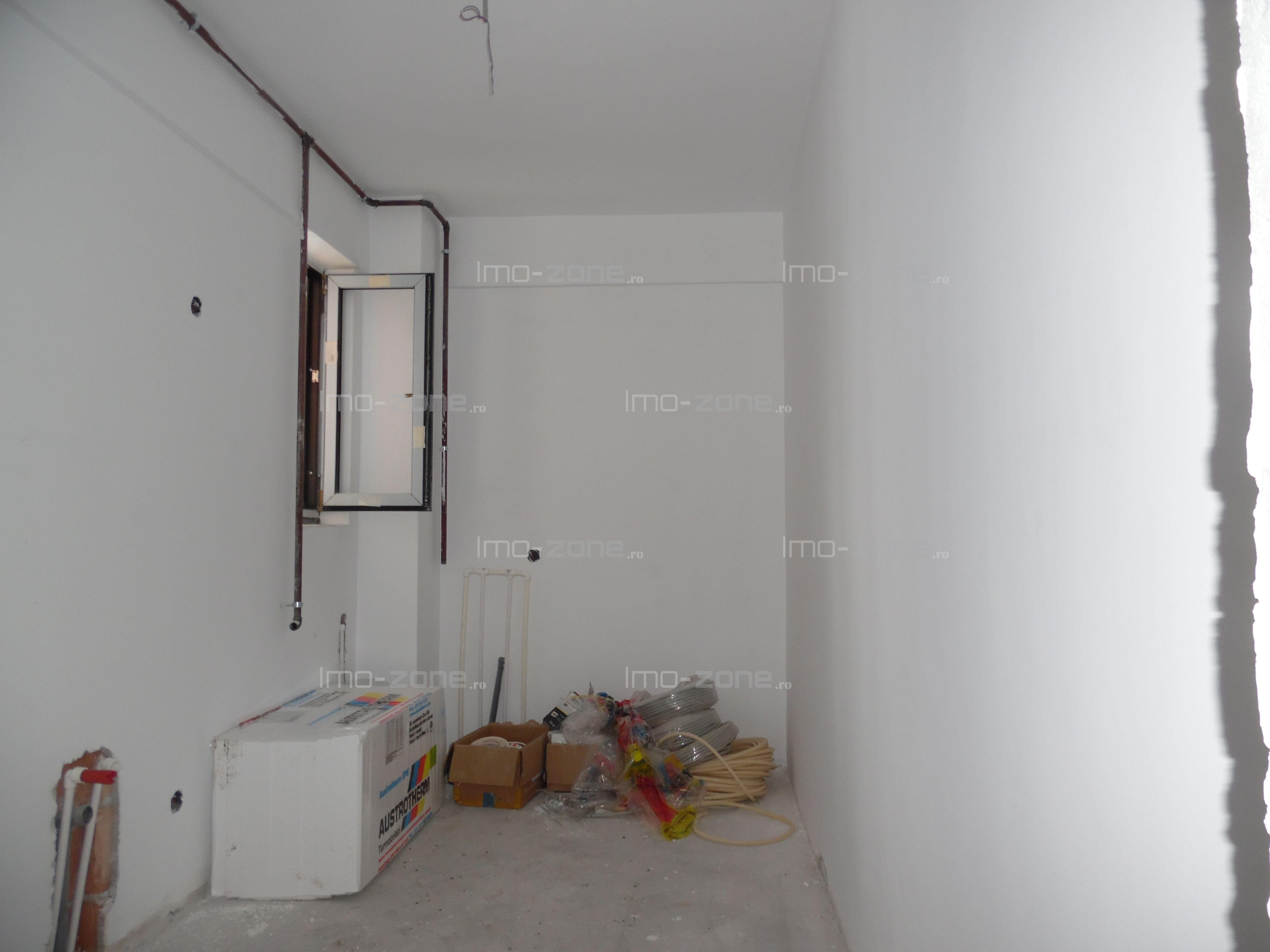 Pacii, apartament 2 camere ,bucatarie inchisa,geam la baie,COMISION 0%