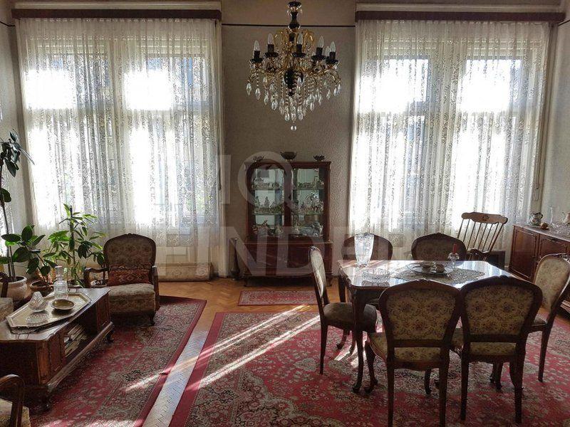 Vanzare apartament 3 camere, 107 mp, zona Piata Mihai Viteazu