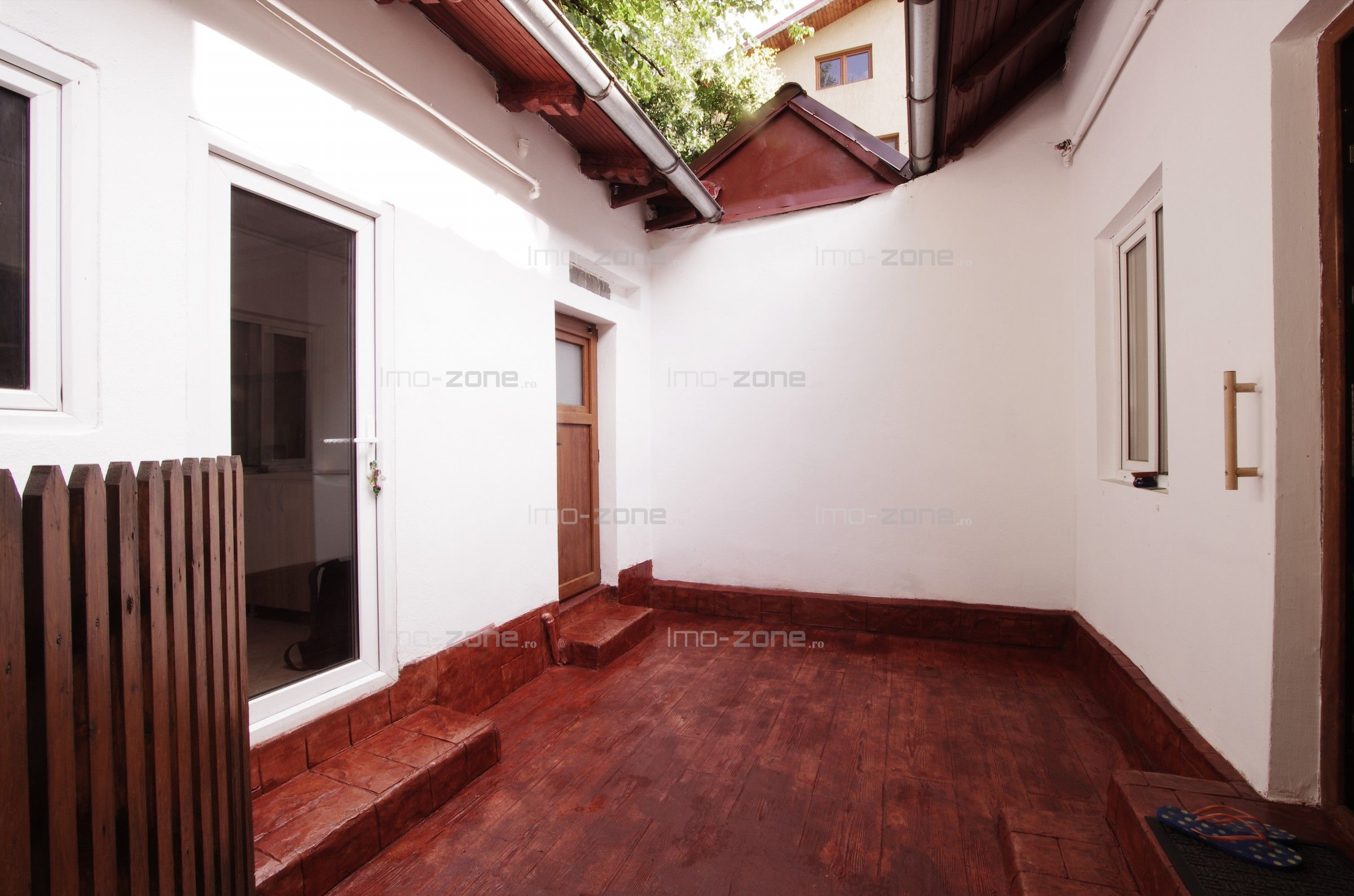 3 camere (2 camere + birou)+ terasa, Drumul Taberei - Razoare, 390 Eur