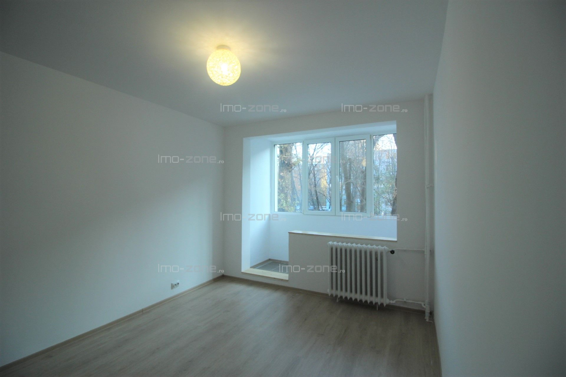 Apartament cu 3 camere  in Drumul Taberei- Frigocom