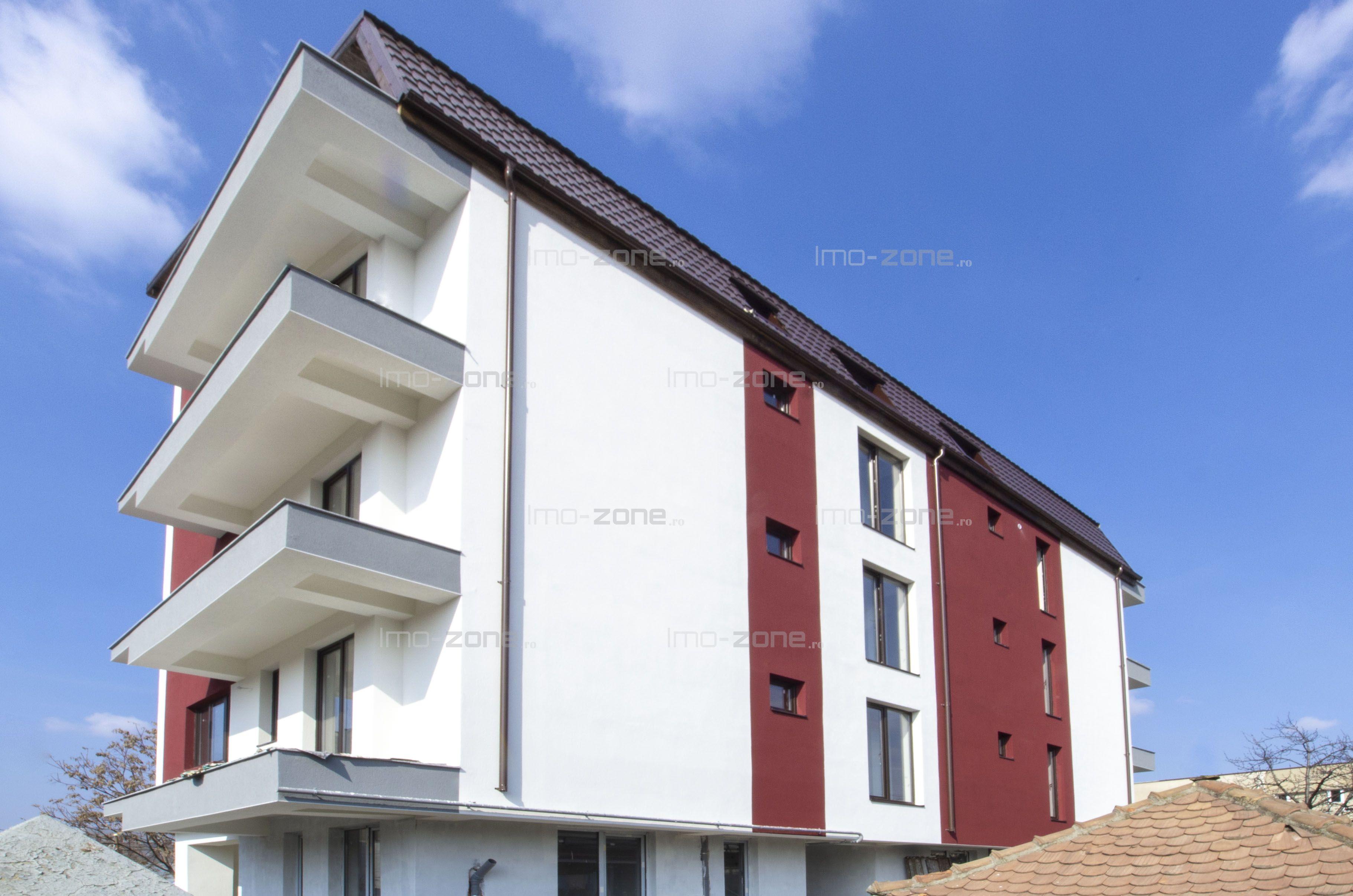 Apartament 2 camere, 54 mpu, bucatarie inchisa, baie cu geam, balcon.