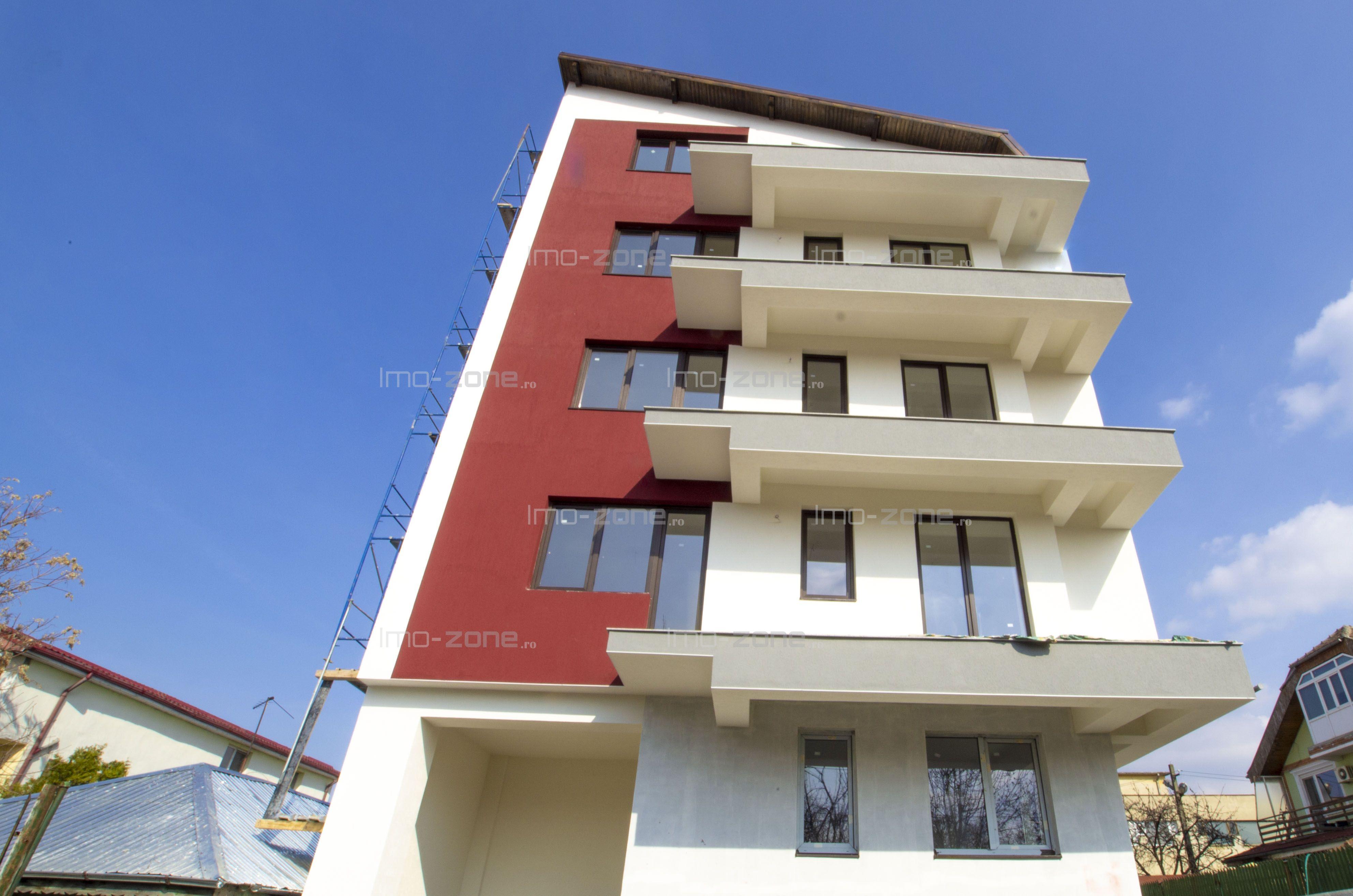 Ap. 3 cam, 93 mpu, balcon de 9 mpu, baie cu geam, bucatarie inchisa.