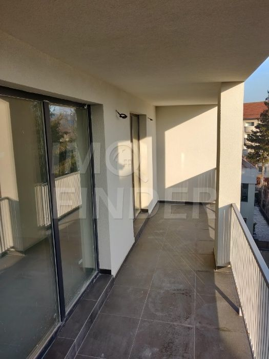 Vanzare apartament 2 camere, Centru, zona Liceul Nicolae Balcescu