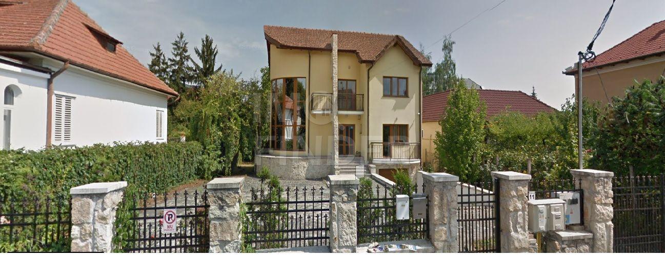 Inchiriere vila in Andrei Muresanu, zona Piata Engels, ideal Birouri