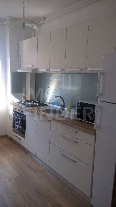 Apartament 2 camere decomandate zona Buna Ziua