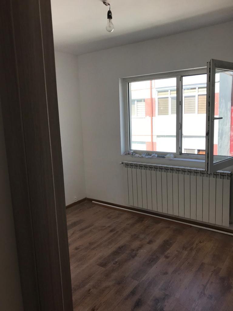 Vanzare Apartament 3 camere - INEL II, Constanta