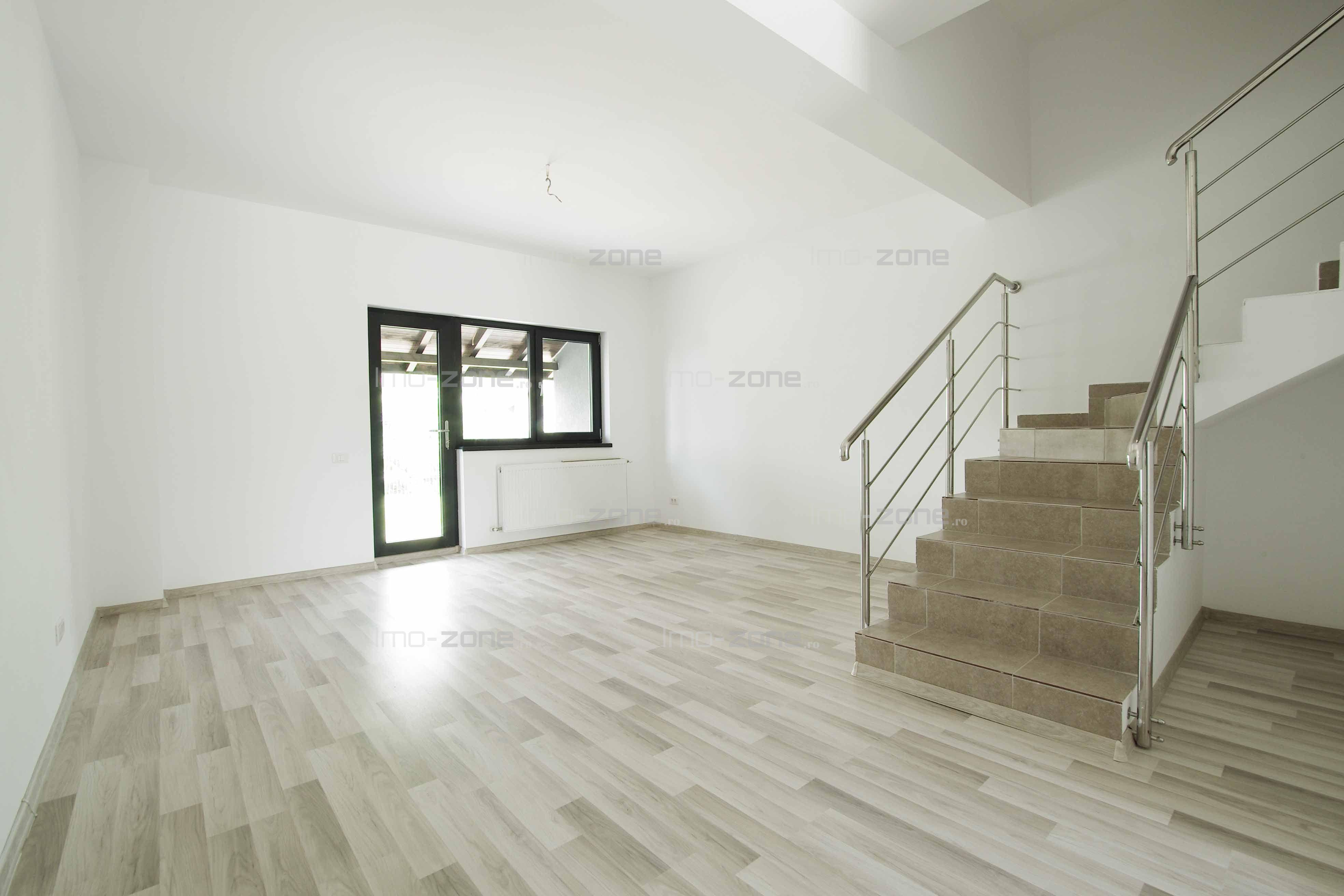 Casă / Vilă cu 3 camere+ pod locuibil în zona Prelungirea Ghencea